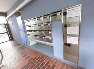 サンモール亀戸のメールボックスと宅配ボックスです。