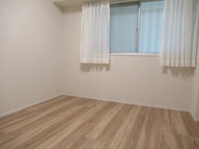 五反田サマリヤマンションの洋室です