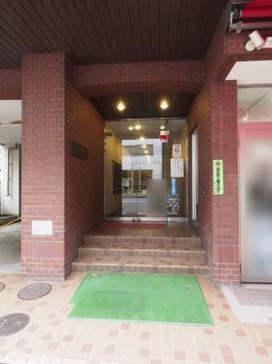 五反田サマリヤマンションのエントランスです。