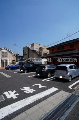 【駐車場】セレナーデA棟