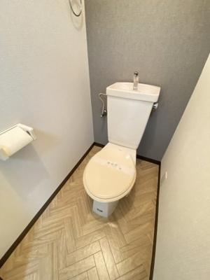【トイレ】シャ・トリコロール千里丘東