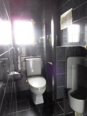 【トイレ】船内店舗 2階