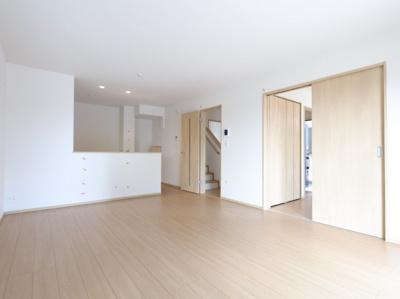使いやすい居間です:建物完成しました♪♪毎週末オープンハウス開催♪三郷新築ナビで検索♪