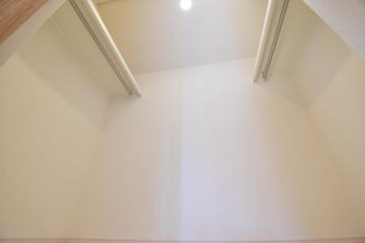 ウォークインクローゼットは1つある収納力に差が出ます。各居室収納完備でしっかりとスペースを確保。