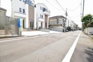 東急大井町線「上野毛」駅から徒歩13分!前面道路の交通量も少なく、小さなお子様にも安心の立地です。