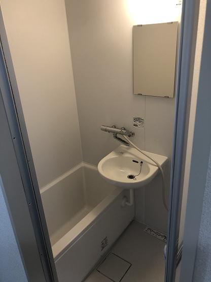 バストイレ別化工事を行い、ユニットバスも新規交換済み。未使用です。