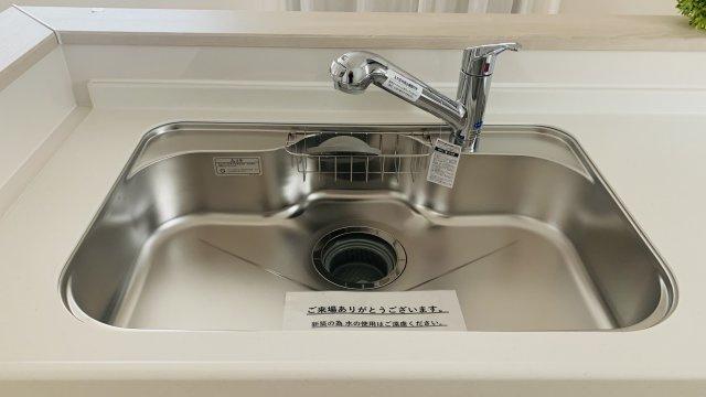 【同仕様施工例】使い勝手のよいシステムキッチンです。