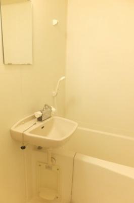 バストイレ別の物件です。