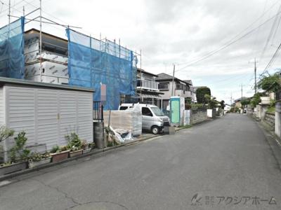 建築中現地前面道路(令和3年7月撮影)