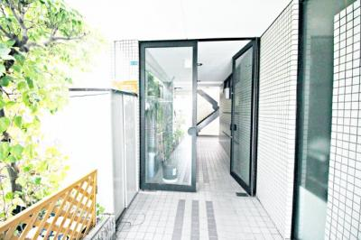 【エントランス】山本ワイズ