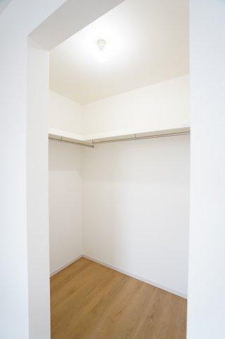 2階8.2帖 WICでお洋服やバックなどの小物もすっきり片付けられます。