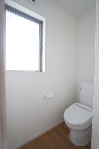 2階 窓があるので換気できます。
