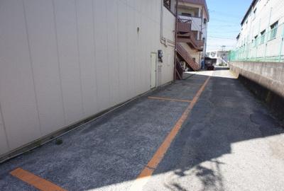 【駐車場】新石生マンション