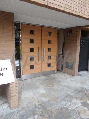 【エントランス】エフシープレミール竜泉