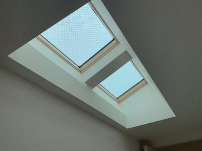 採光のための天窓があります。