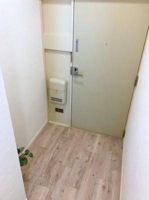 玄関にはシューズボックスを置くスペースがあります♪