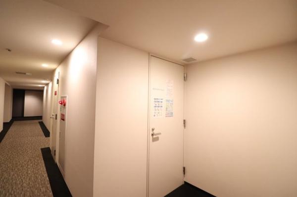 【各階ゴミ捨て場】各階にゴミ捨て場があり便利!