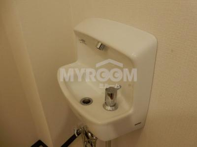 スペースが確保できる洗面所です☆