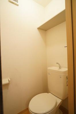 トイレ(上部棚有)
