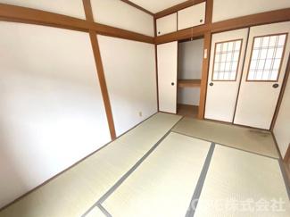 2階和室6帖です♪押入れも有り、たくさんの収納ができますね(^^)