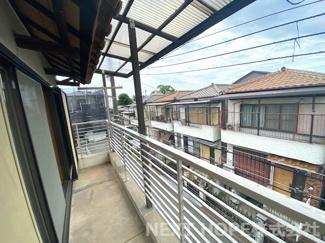 バルコニーは2階・3階に設けられております♪こちらは3階部分のバルコニーです!たくさんのお洗濯物が干せそうです!!