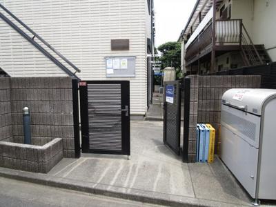 【エントランス】ドムス東高円寺