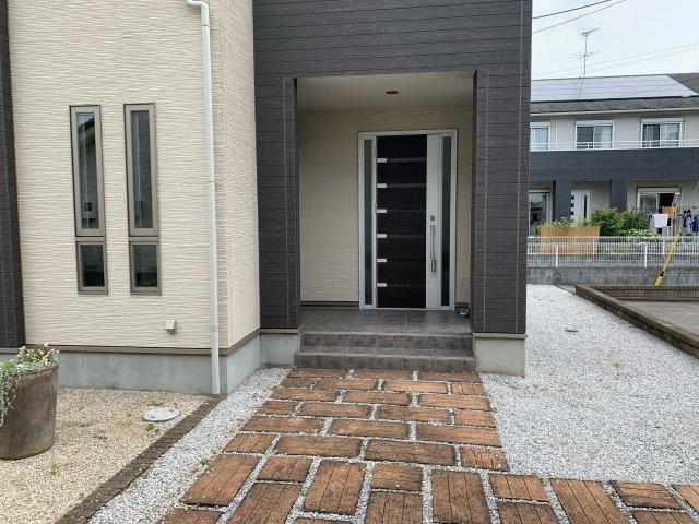 【玄関】加須市上三俣 中古一戸建て