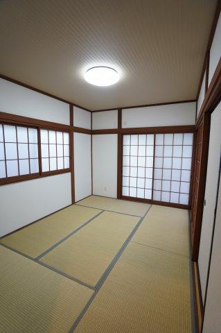 1階6畳 落ち着いた雰囲気の和室です。癒されますね。