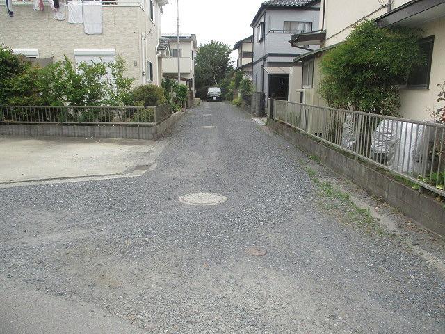【前面道路含む現地写真】堀町中古戸建