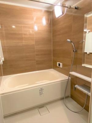 広々1316サイズのバスルーム 浴室乾燥機付きです♪