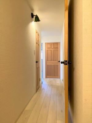 廊下部分 木目の温かみのあるナチュラルな内装です。