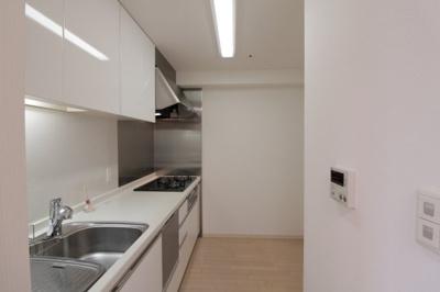 使いやすい独立型キッチンです