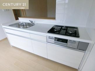 新調されたシステムキッチンでお料理も楽しくできそうですね。