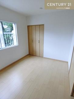 洋室はそれぞれクローゼット付のお部屋が3部屋あります。