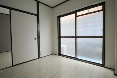 【寝室】メビウス長興寺レジデンス第二(旧ピースフルハイツⅡ)