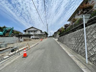 【前面道路含む現地写真】リーブルガーデン 宗像市三倉第五(2号棟)