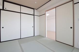 和室6帖です♪足を伸ばして寛げる居室です!お客様部屋として・小さなお子様の遊びスペースとしても活躍してくれます(^^)