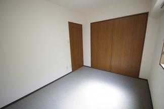 洋室は2部屋あります