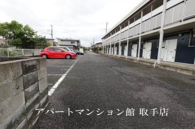 【駐車場】レオパレスプライム