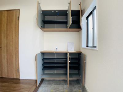 大容量のシューズボックスも備えておりますので玄関回りを整理整頓できますね。