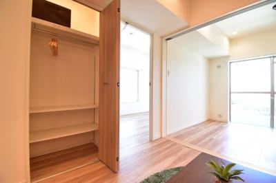 細かい部分にもこだわりを。無駄なスペースを有効活用。リビング収納も新設して住む方々を想った設計に。