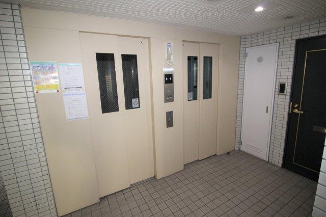 エレベータ―が2基あるので、スムーズに昇り降りできます。