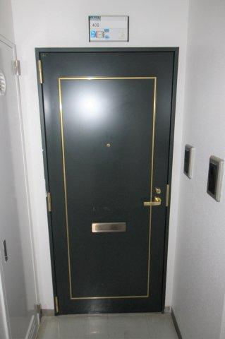 この物件の玄関です。