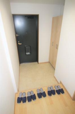 収納力の高いシューズボックス付き玄関