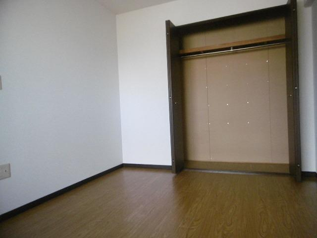 スタンダードな洋室です(同物件別室写真です)
