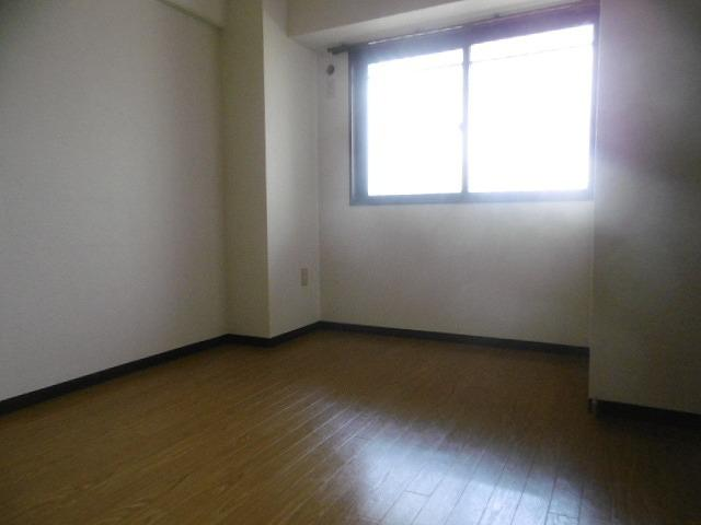 洋室です(同物件別室写真です)