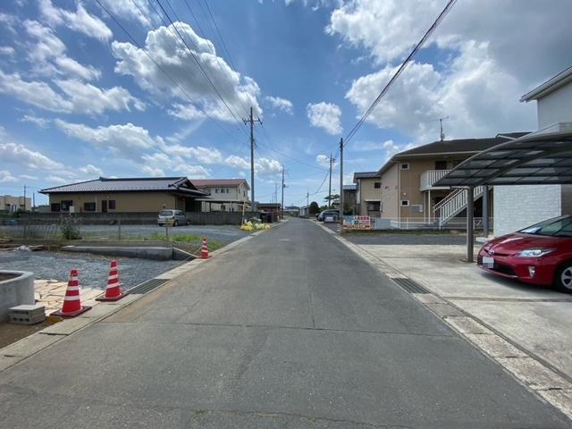 【前面道路含む現地写真】常陸大宮市野中町中古一戸建て