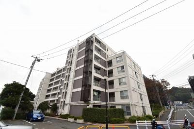 総戸数71戸、昭和51年8月築、自主管理につき管理費を安く抑えられます。
