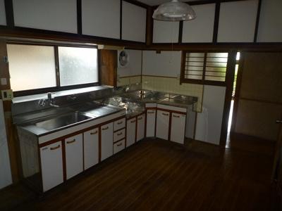 【キッチン】黒川東二丁目13番17号