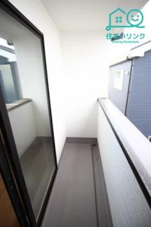 2階東側の6帖洋室のバルコニーです。